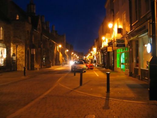 Ely High St on a Sunday evening